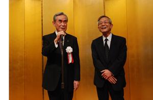 八神新理事長と小島新事務局長